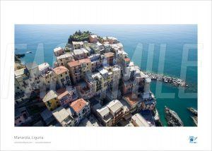 Poster Manarola 3, 30x40 cm - Fotografia aerea di Drone Genova